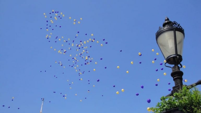 The Scary Reason Why You Should Never, Ever Release Balloons Into The Sky