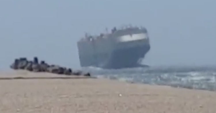 Here's The Video Of A Cruise Ship That Everyone Has Been Talking About