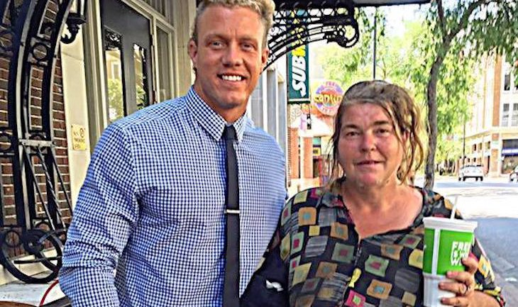 Weekly He Eats Lunch With This Homeless Woman – Then He Finds Out What She Does With Her Money