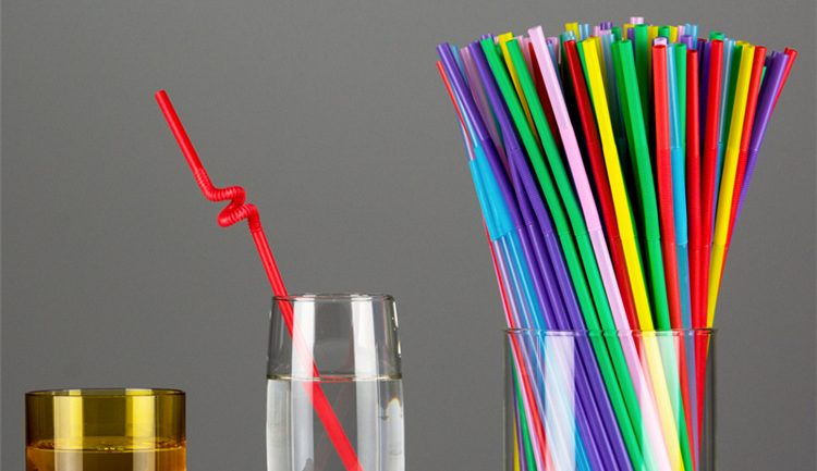 Experts Urging Everyone To Quit Drinking From Straws Immediately – Here's Why