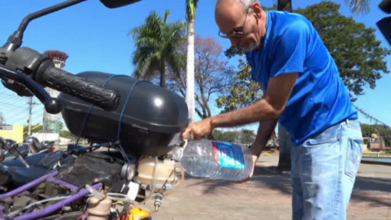 Brazilian Builds Water Powered Motorbike, Gets 310 Miles Out of 1 Liter of Water