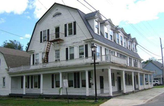 This Old House Is So Haunted That Visitors Are Required To Sign A Waiver