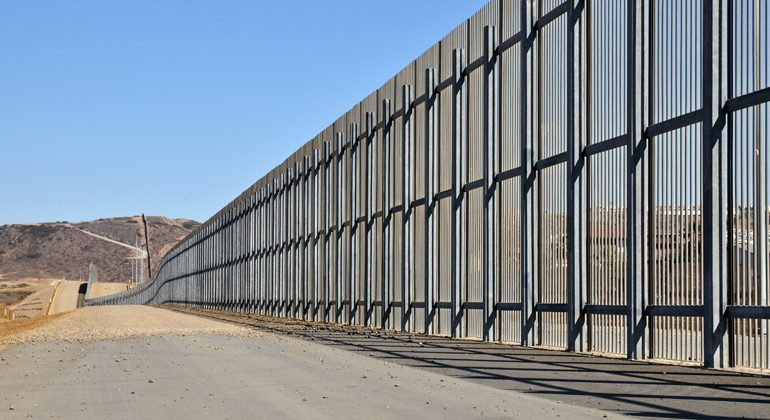 TRUMP Proposes Adding Solar Panels To Border Wall