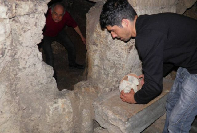 A Guy Tries To Fix His Toilet & Finds Ancient Tomb Under His House