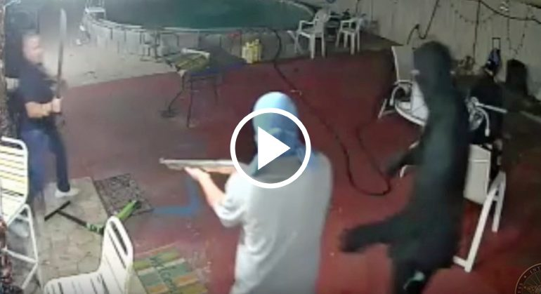 Man Fights Off 5 Armed Robbers With A Machete
