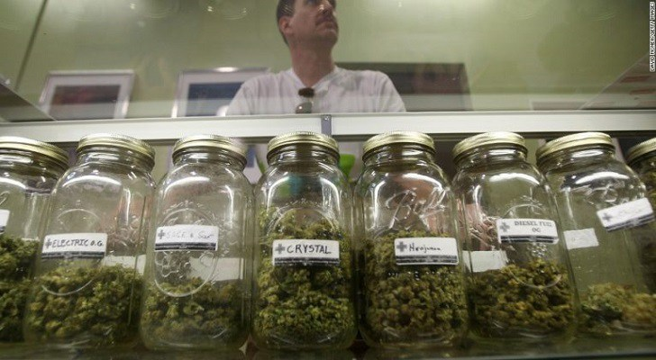 Prescription Painkiller Deaths Have Dropped 25% In States That Legalized Marijuana