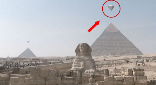 Crystal Clear Footage Of UFO's Above Giza Pyramids Goes Viral